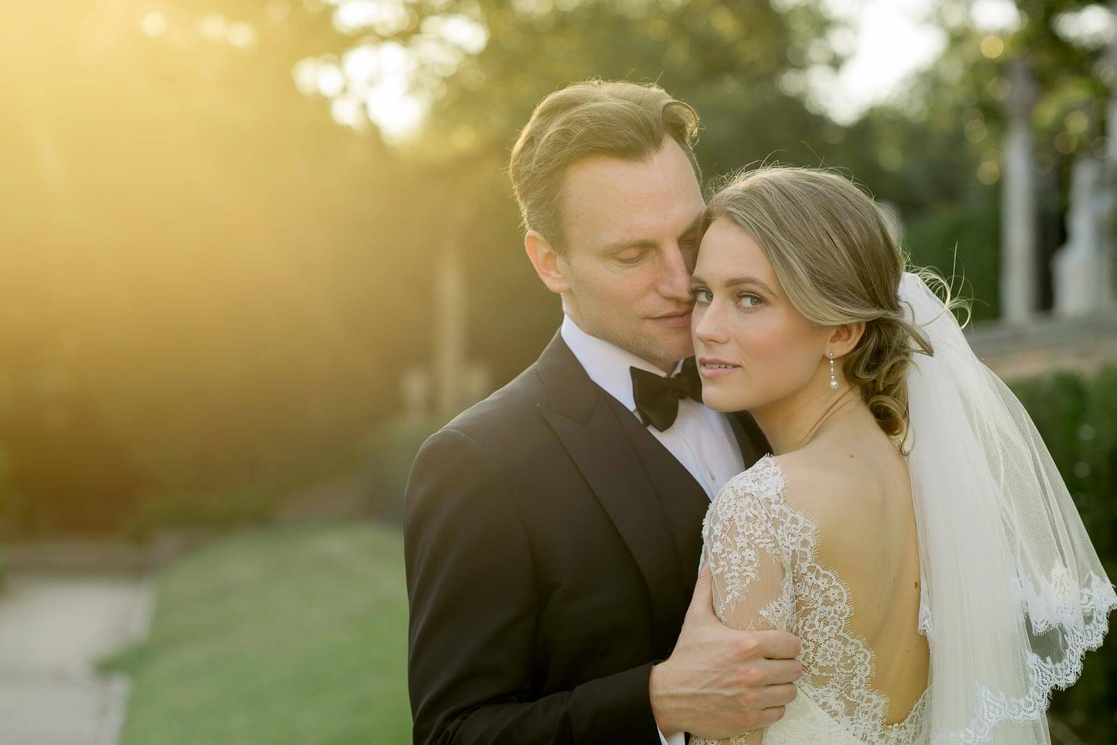 Glamorous Vizcaya Museum and Gardens Wedding